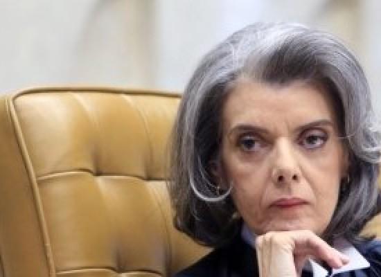 Dificuldade do Brasil é cumprir as leis que temos, diz Cármen Lúcia