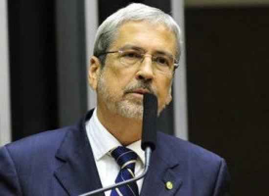 Imbassahy aparece em bilhete da Camargo Corrêa apreendido pela PF