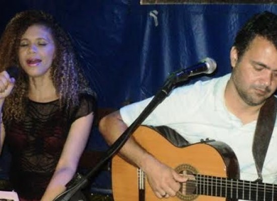 Silvano Gonzaga e Carla Valleria: som ao vivo Sexta na AABB