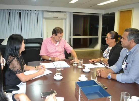 Deputada Ângela Sousa cobra medidas para assegurar o ensino de qualidade em Ilhéus
