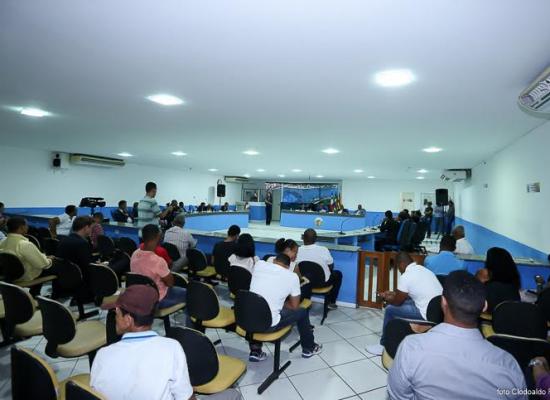 Intérpretes de Libras participam de todas as sessões da câmara de Ilhéus