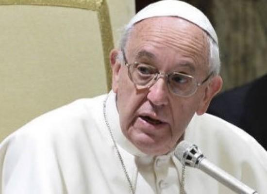 Papa Francisco critica sonegação de impostos e evasão de divisas