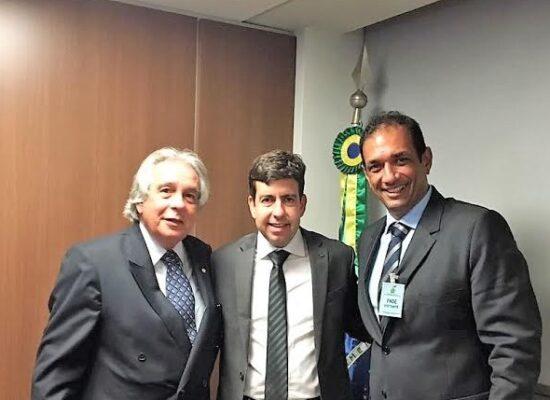 Prefeito de Ilhéus pede, em Brasília, liberação de recursos para obras paralisadas na área de Educação
