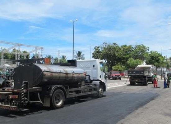 Prefeitura dá últimos retoques na Avenida Soares Lopes, palco do Ilhéus Folia