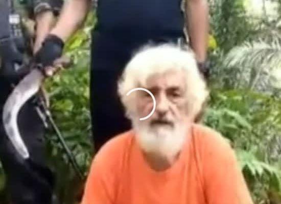 Terroristas divulgam vídeo que mostra refém alemão decapitado