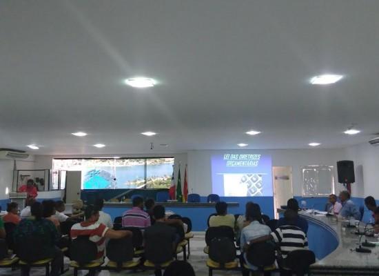 Vereadores participam de palestra sobre Leis Orçamentárias