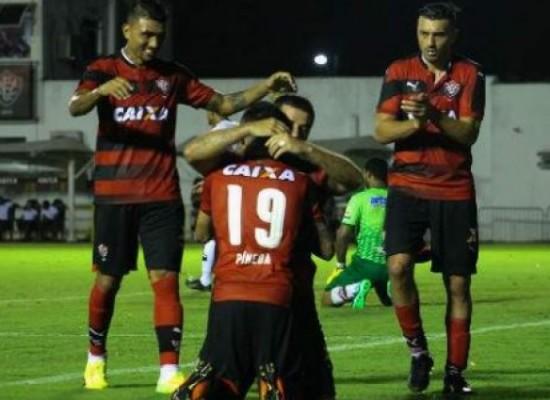 Vitória goleia Flamengo de Guanambi por 6 a 1