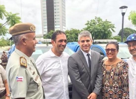 Deputada Ângela Sousa entrega viaturas policiais aos municípios