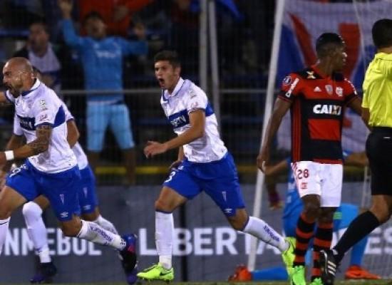 Flamengo cai diante do Universidad Católica