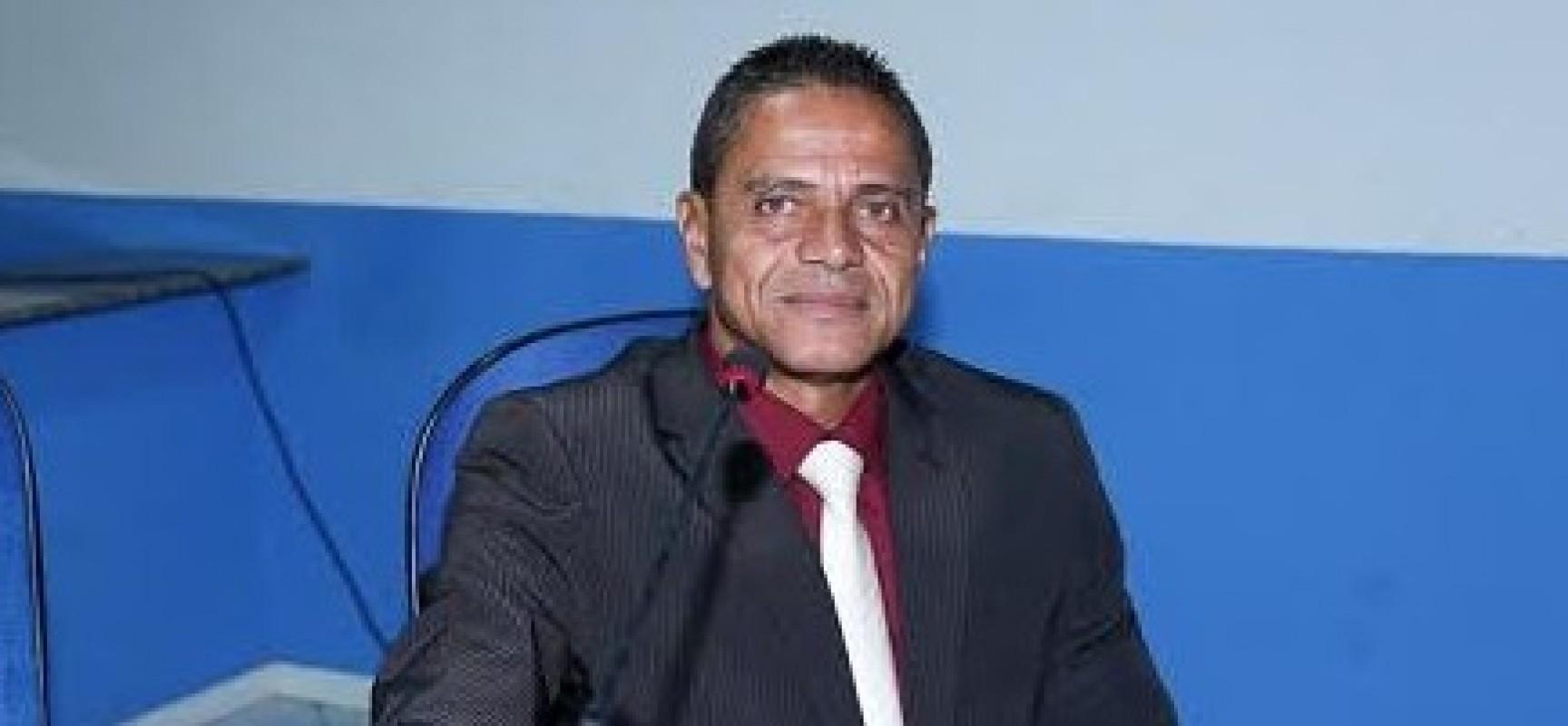 Inserção da Constituição Federal em escolas é tema de projeto de lei de Juarez Barbosa