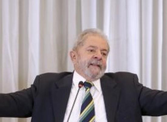 Lula pede para receber Ciro, colegas do PT e líderes estudantis