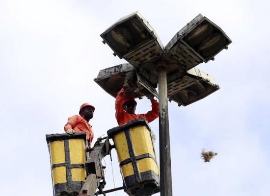 Prefeitura de Ilhéus notifica empresa responsável pela iluminação pública