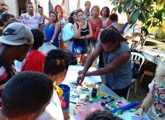 Projeto Otambí promove oficina de pintura em camisas e contação de histórias