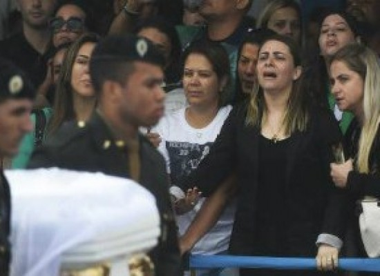 Viúvas de atletas processam Chapecoense por direitos trabalhistas