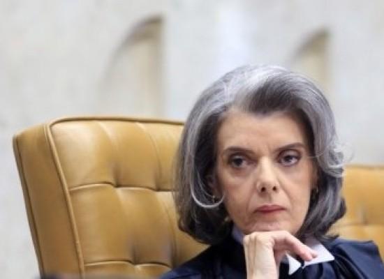 Cármen Lúcia defende reinserção de presos no mercado de trabalho