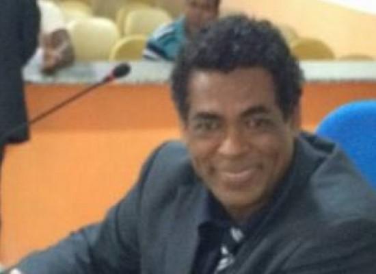 Vereador Gil Gomes fiscaliza distribuição de merenda escolar