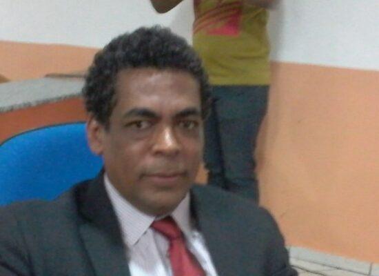 Gil Gomes protocola PL que dispõe sobre o exercício do Poder de Fiscalização dos Vereadores ilheenses