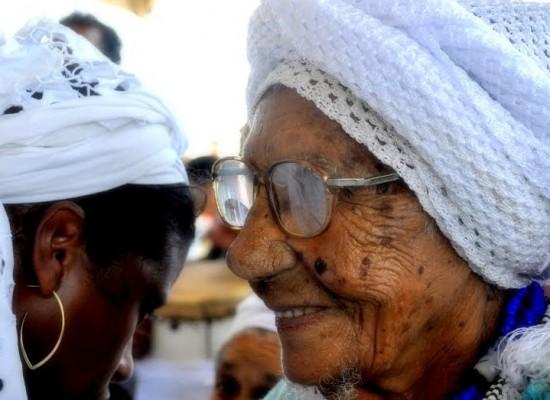 Líder religiosa, Dona Carmozina completa 100 anos em Ilhéus