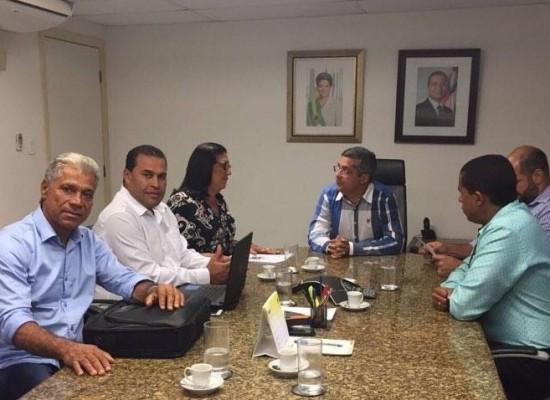 Prefeito de Ibicaraí visita Salvador e consegue obras e recursos