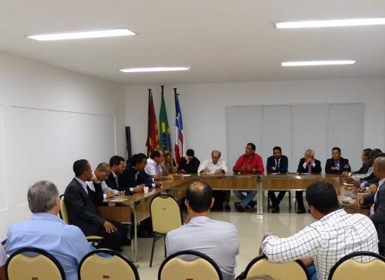 Prefeito e vereadores debate ações e projetos para Ilhéus
