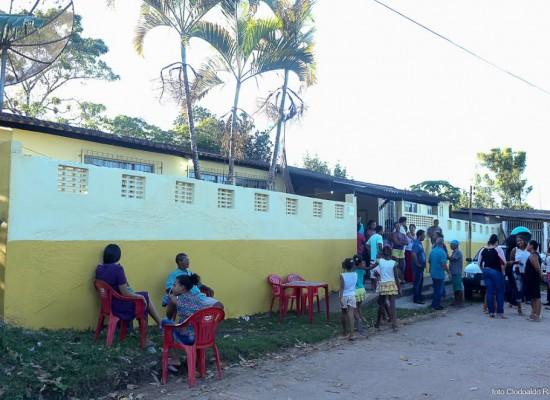 Prefeito visita distritos de Ilhéus e entrega escola recuperada em Vila Olímpio