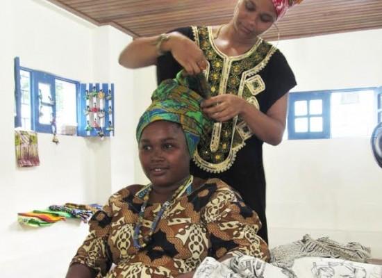 Projeto Otambí promove oficina gratuita de penteados afro e turbante