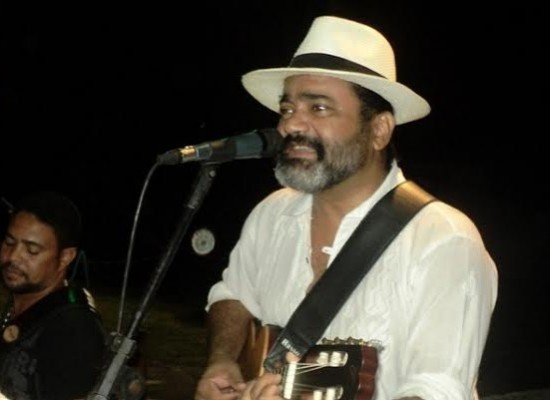 Sexta na AABB tem forró com Léo Jorge e Baianos.com