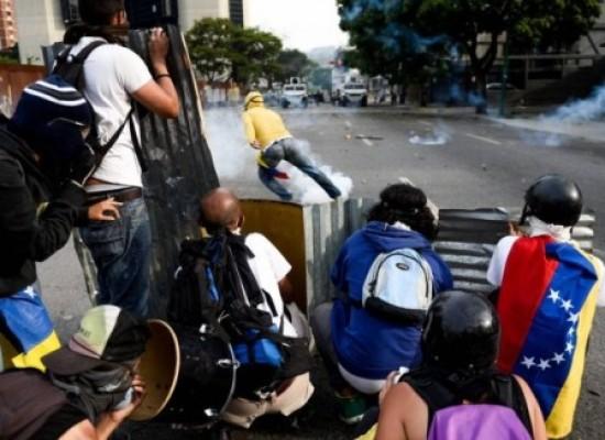 Confronto perto da fronteira da Venezuela com Brasil deixa dois mortos