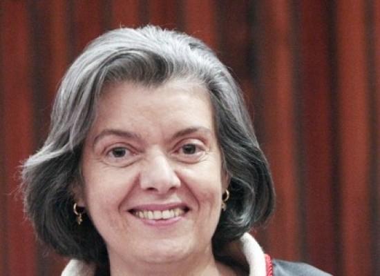 CCJ aprova proposta que estabelece prazo para indicação de ministros do STF