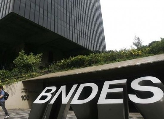 Funcionários do BNDES criticam condução coercitiva de colegas em operação da PF