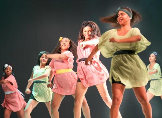 'Maio, mês da dança' encerra temporada estimulando novas plateias no TMI