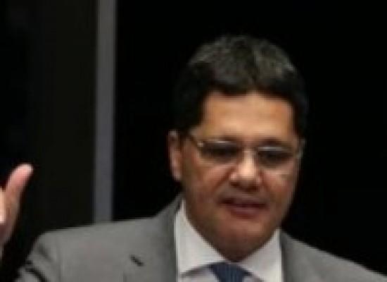 Relator suspende reforma trabalhista no Senado