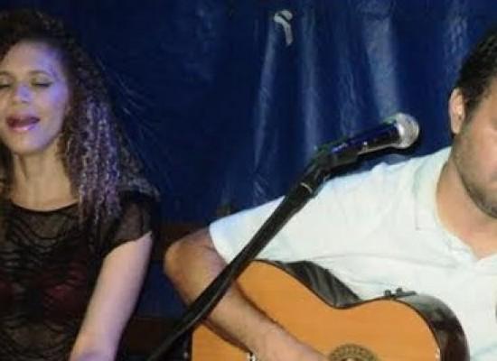 Silvano e Carla fazem a Sexta Super Musical na AABB Itabuna