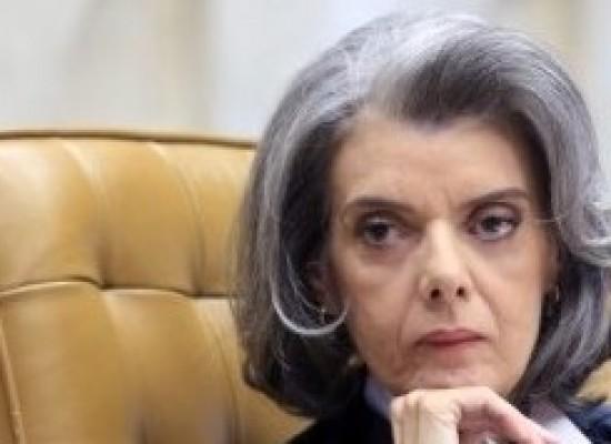 STF suspende julgamento sobre continuidade do processo contra Temer