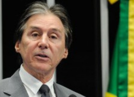 Eunício diz que Senado vai 'tocar a pauta' mesmo após denúncia de Temer