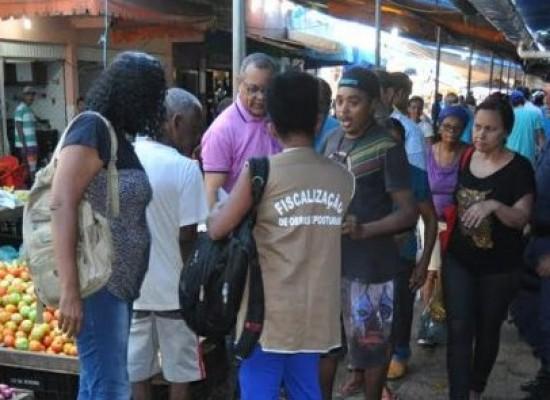 FEIRANTES TERÃO QUE DESOCUPAR ÁREAS DESTINADAS À CIRCULAÇÃO DE PESSOAS