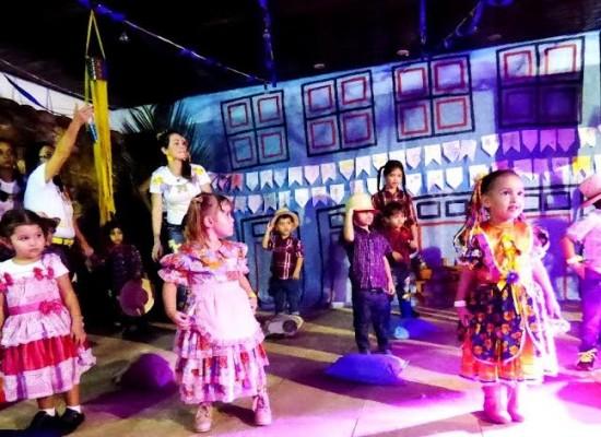 Festa junina da Escola Casa Amarela foi inspirada na obra de Alfredo Volpi