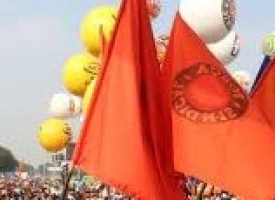 Sintepav BA realiza marcha com centenas de trabalhadores da construção pesada