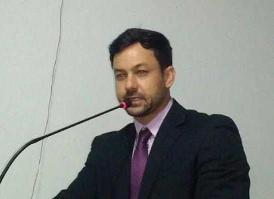 Vereador Lukas Paiva requer distribuição de kit de higiene bocal na farmácia municipal