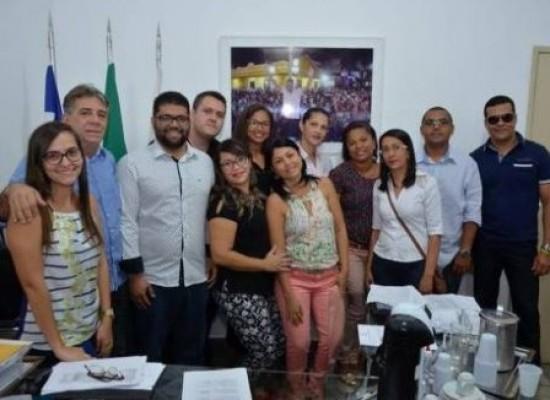 Prefeitura de Alagoinhas dá posse a 37 novos servidores para Seduc, Semas e Sesau