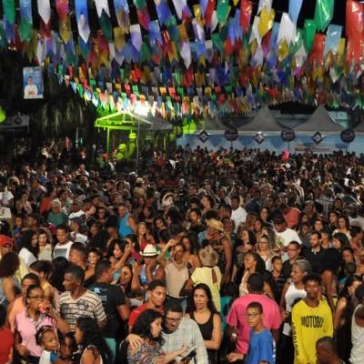 Ao menos dez cidades baianas cancelam o São João em 2021