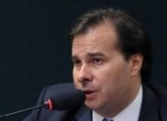Rodrigo Maia sanciona projeto que libera venda de remédios emagrecedores