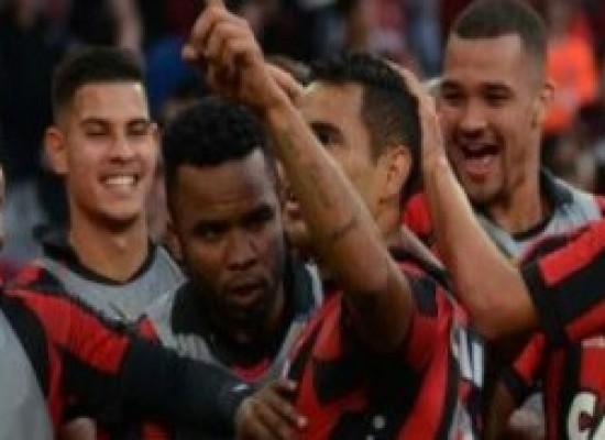 Vitória é goleado pelo Atlético e afunda na zona de rebaixamento