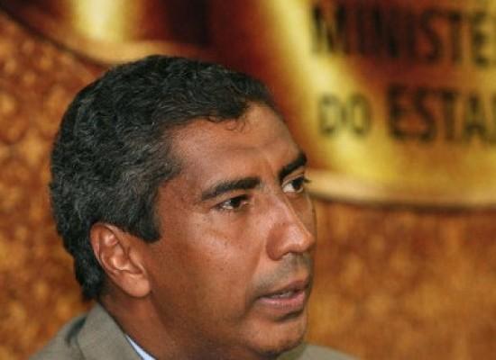 Acusado de assédio sexual, promotor Almiro Sena está preso