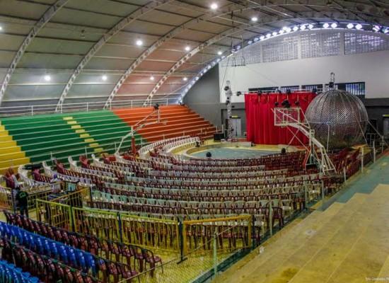 Circo se apresenta no Ginásio de Esportes com apresentações gratuitas para crianças carentes de Ilhéus
