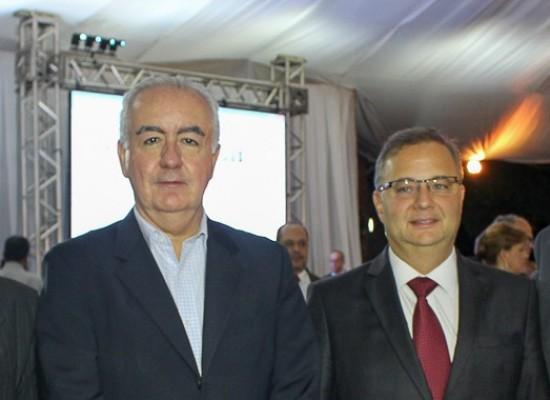 Prefeito de Ilhéus e o vice prestigiaram aniversário de Itabuna ao lado do governador