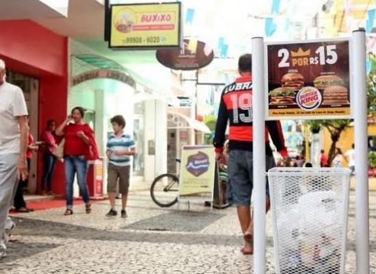 Prefeitura firma parceria para instalar lixeiras no centro e bairros de Ilhéus