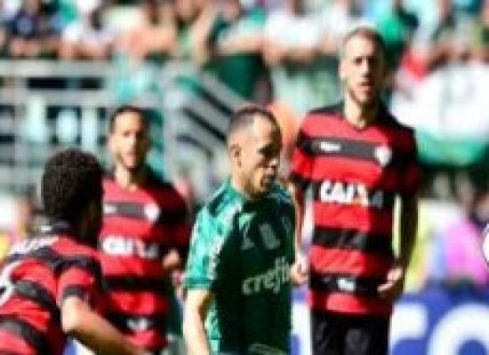 Vitória é derrotado pelo Palmeiras e ocupa penúltima colocação na zona de rebaixamento