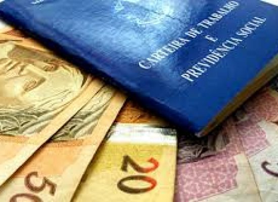 PIS: Nascidos em janeiro e fevereiro começam a receber abono salarial