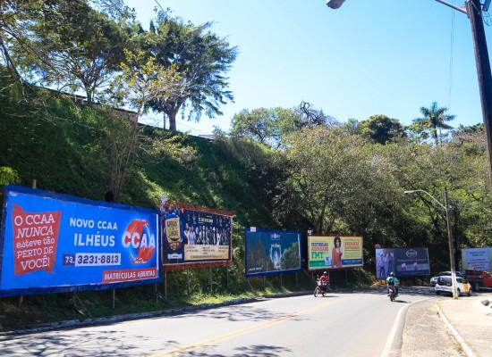 Proprietários de 'outdoors' terão que remover placas em áreas públicas e particulares de Ilhéus